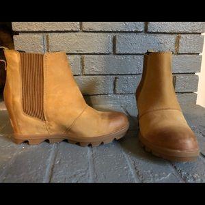Sorel Joan Wedge Boots- Camel